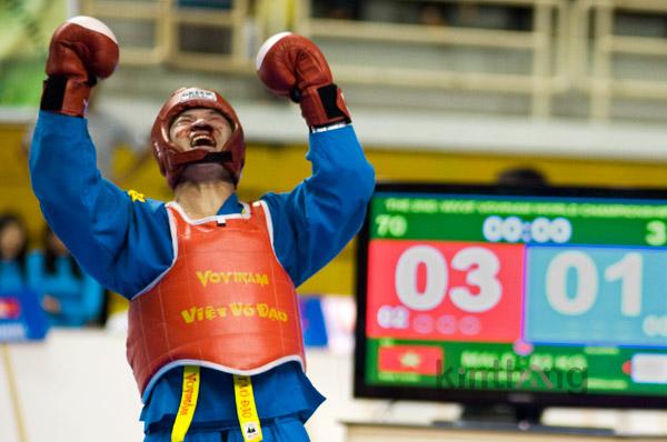 VĐV Nguyễn Hữu Châu – Huy chương Vàng Vovinam quốc tế 2011