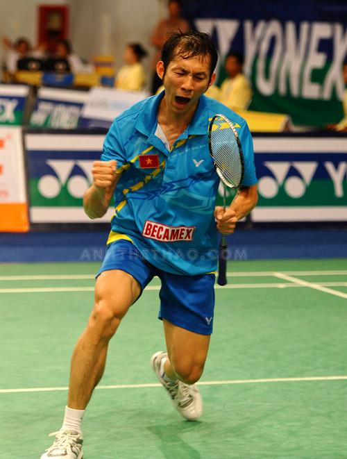 Tiến Minh vui mừng khi chiến thắng trận bán kết