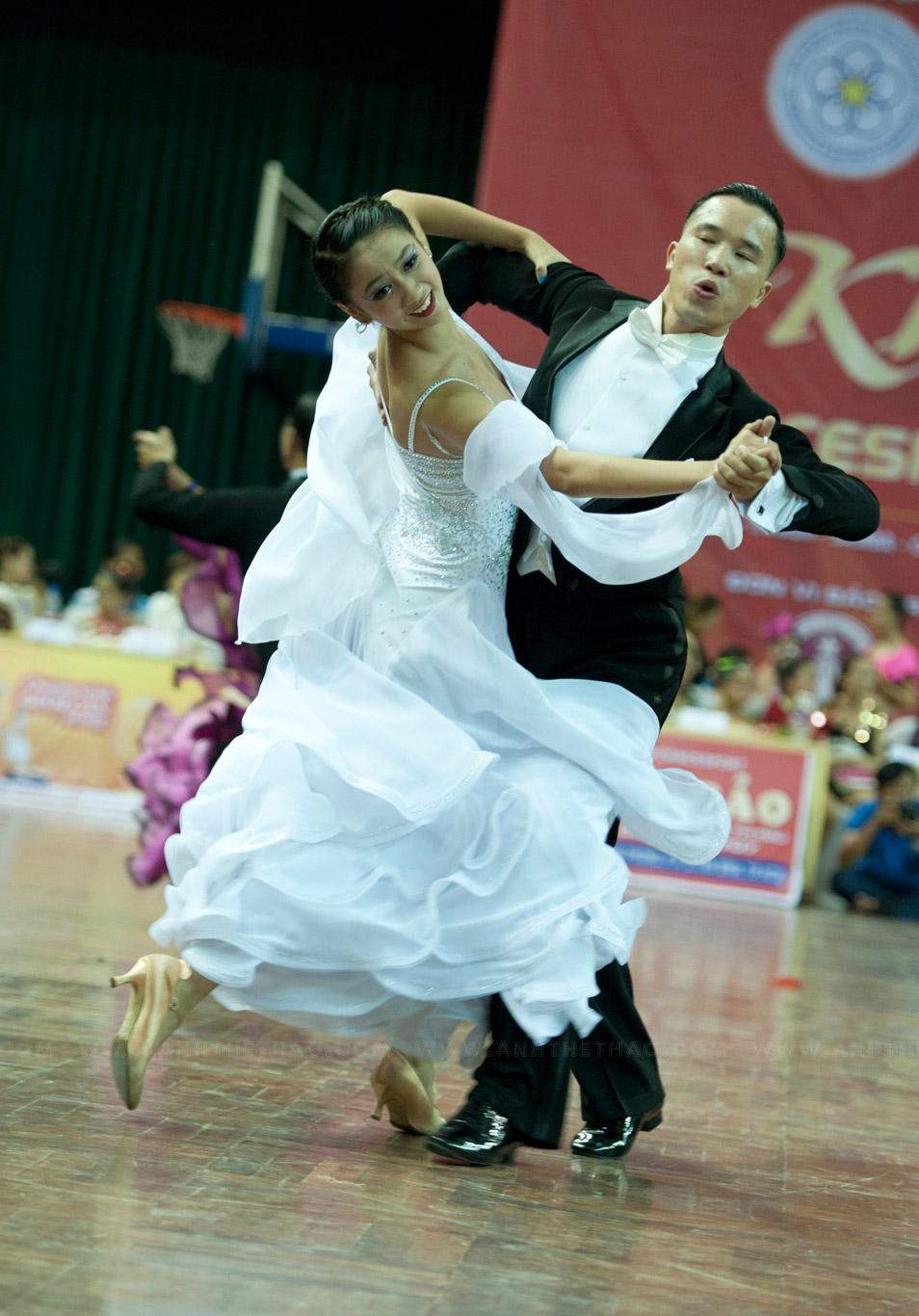 Vũ điệu Viennese Waltz