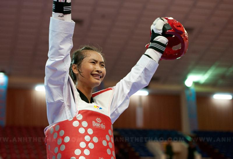 Cao Thị Kim Chi vui mừng sau chiến thắng