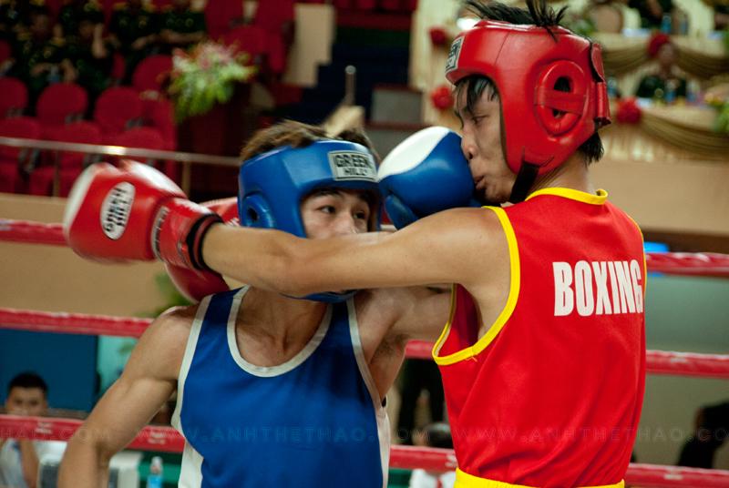 Mặt là bộ phận tấn công chính của boxing