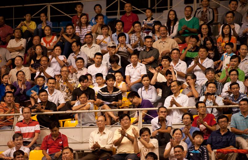 Người hâm mộ đến xem khá đông