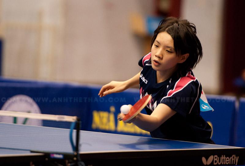 Narumoto Ayami giao bóng cực kỳ hiểm hóc
