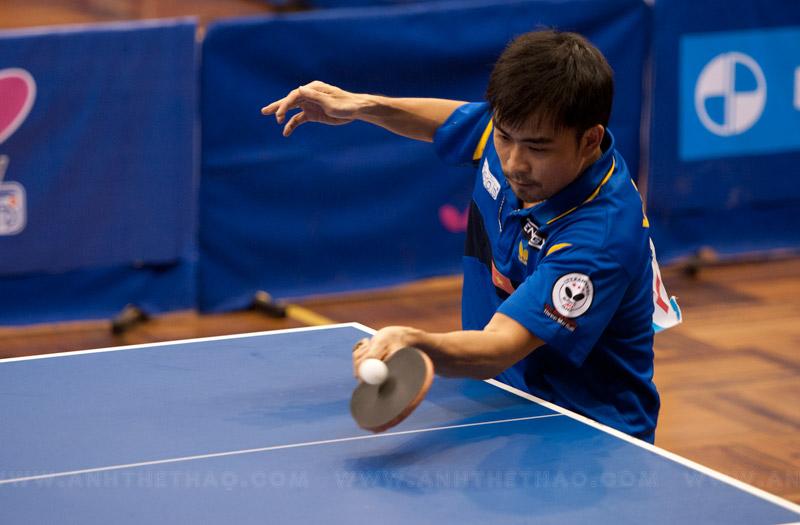 Tay vợt Tấn Quỳnh