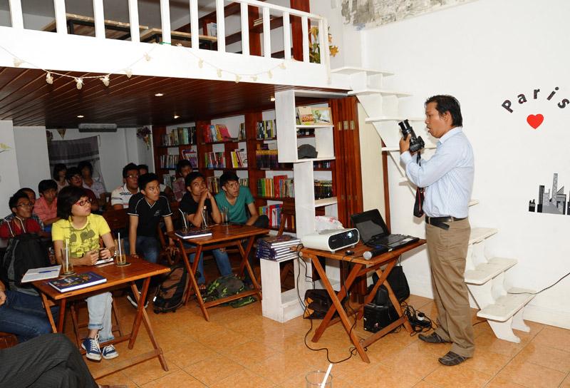Jimmy Teo với bài hướng dẫn về kỹ thuật sử dụng máy