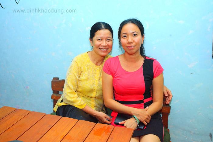 Bà chủ Quán Nhóon cùng tên với mình