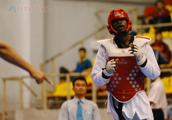 Mvondo Nkongo Stephane thẩn thờ khi biết mình dành chiến thắng