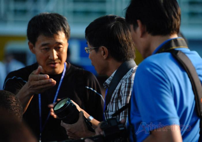 PV Hàn Quốc yêu cầu PV Việt Nam rời đi