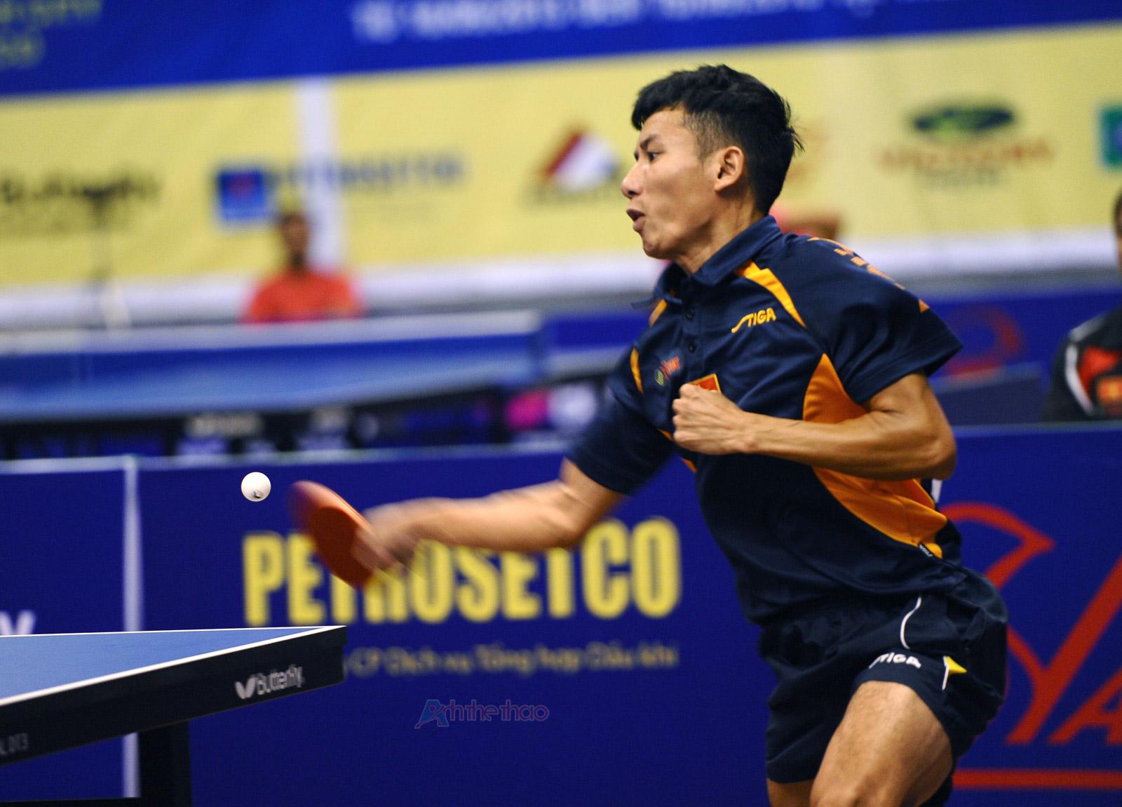 Màu xanh khá được ưa chuộng trong bóng bàn - Tay vợt Đinh Quang Linh Vietnam