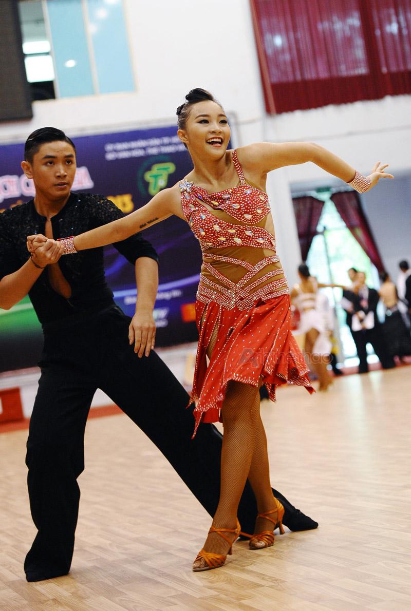Cặp VĐV đoạt Giải 2 với vũ điệu Latin