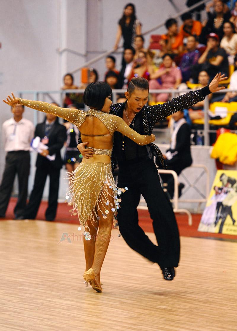 Cặp VĐV đoạt Giải 3 với vũ điệu Latin