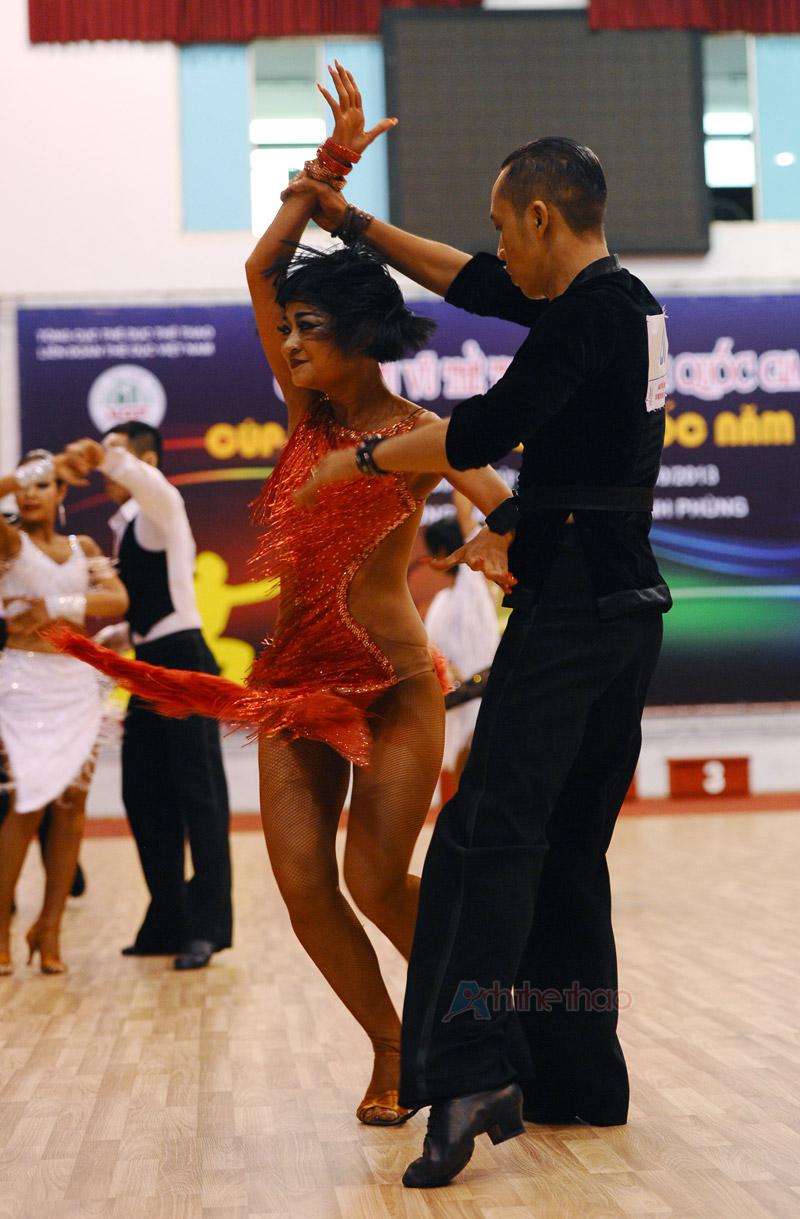 Cặp VĐV đoạt Giải 1 với vũ điệu Latin