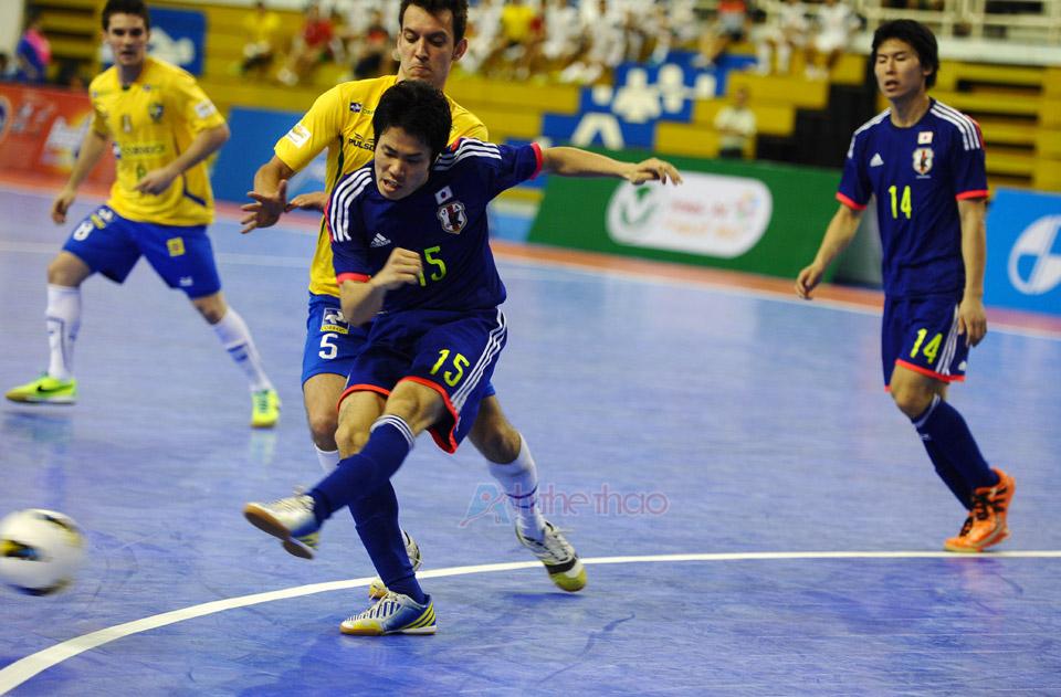 Nhật Bản gặp rất nhiều khó khăn khi tiếp cận khung thành Brasil