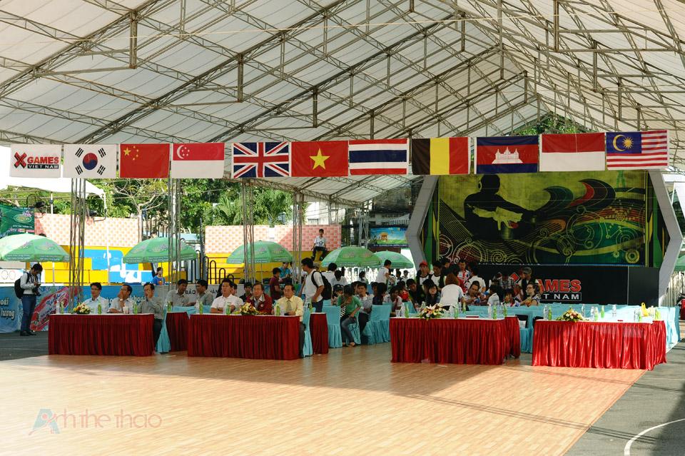 Lễ khai mạc Giải thể thao giải trí Quốc tế TPHCM 2013