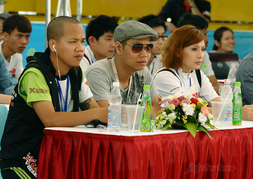 Ban giám khảo