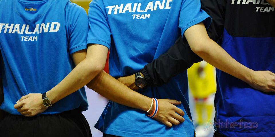 Đội tuyển Thái Lan hát quốc ca