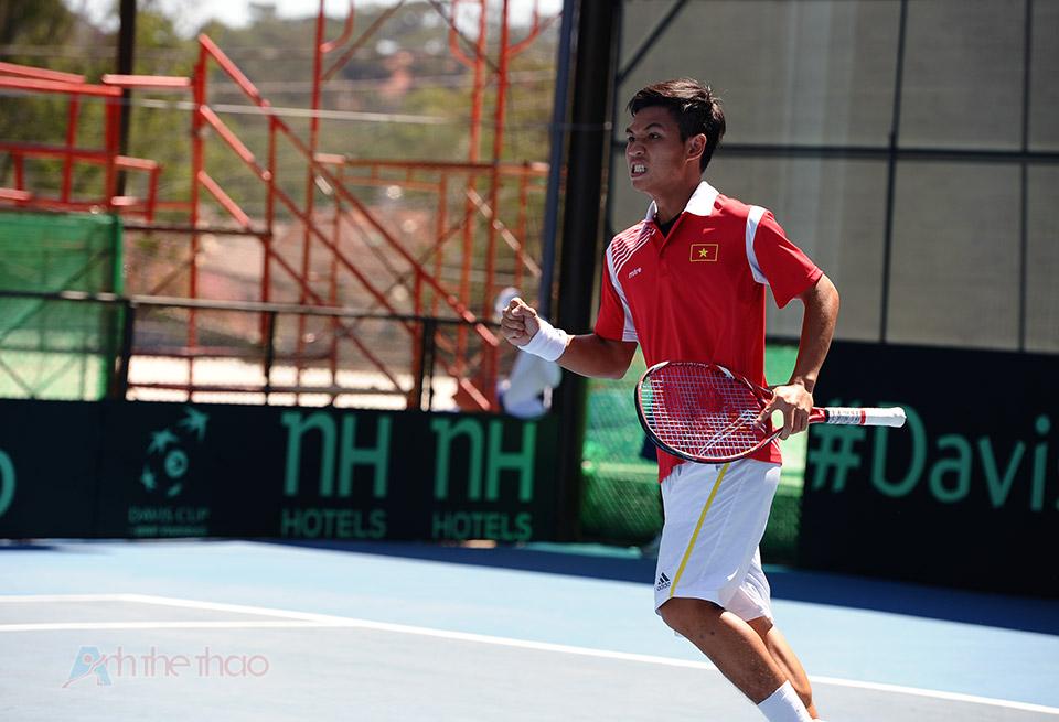 Hoàng Thiên Ăn mừng dành điểm set đấu