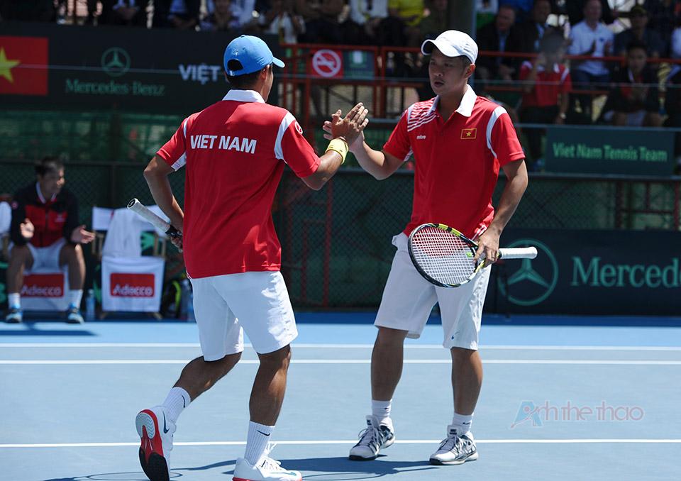 Hai tay vợt Ngô Quang Huy và Lê Quốc Khánh