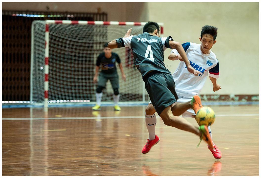 Pha tưng bóng qua đầu điệu nghệ của đội đại học Hoa Sen