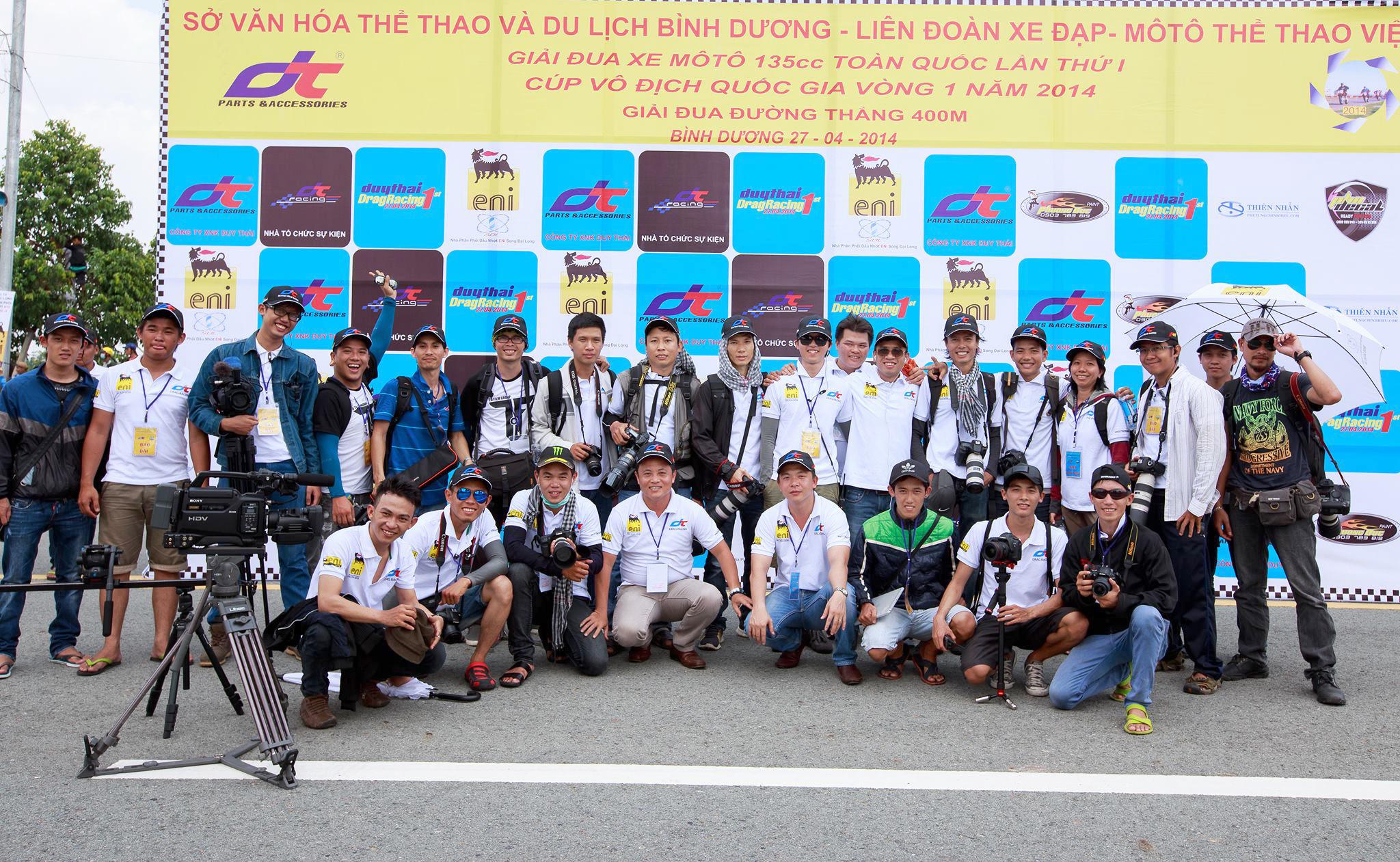 Công ty Duy Thái cùng nhóm phóng viên Ảnh Thể Thao