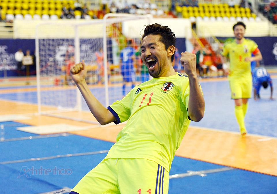 Cầu thủ Hoshi Nhật Bản ăn mừng chiến thắng