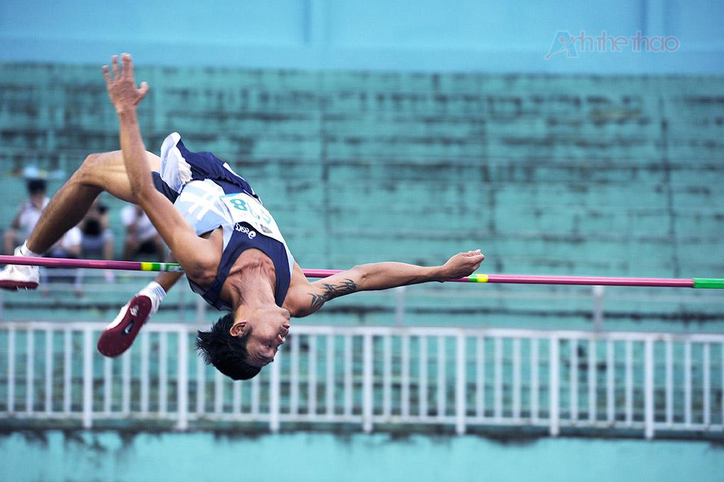 Nhảy cao: high jump