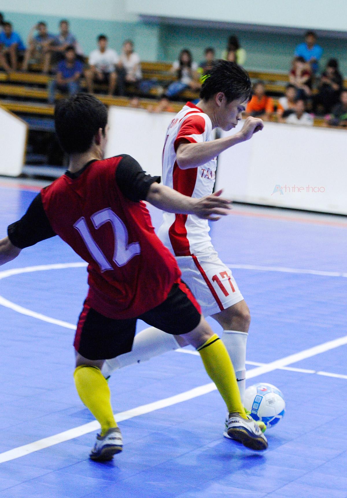 Ken Futsal Club trong màu áo Tân Hiệp Hưng