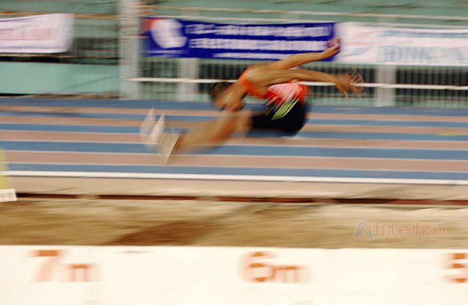 Nhảy xa: Long jump