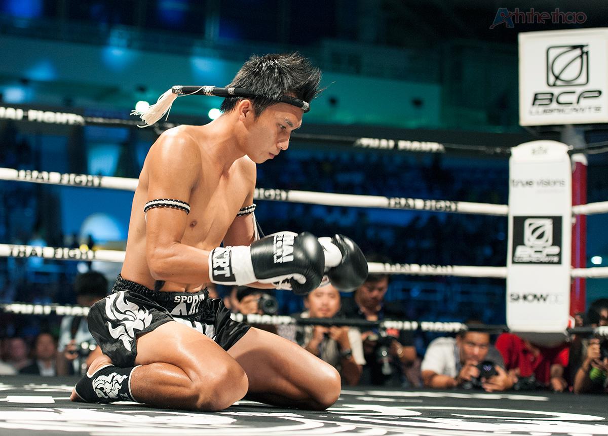 Nguyễn Phú Hiển biểu diễn Vũ điệu Wai Kru trước khi thi đấu