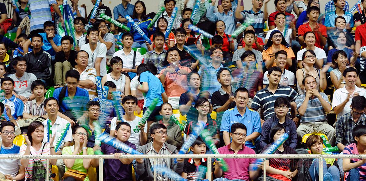 Đông đảo người hâm mộ cổ vũ cho Tiến Minh