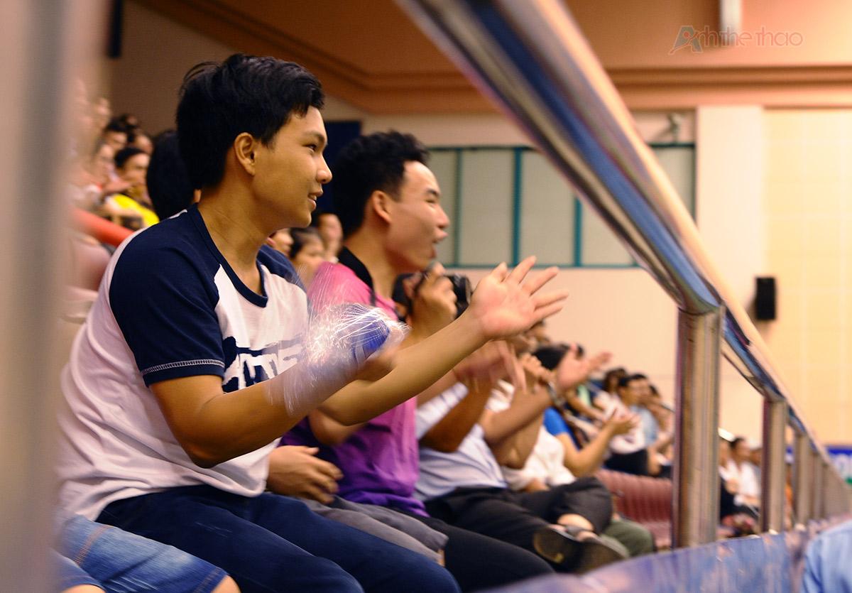Người hâm mộ cổ vũ rất nhiệt tình cho Tiến Minh