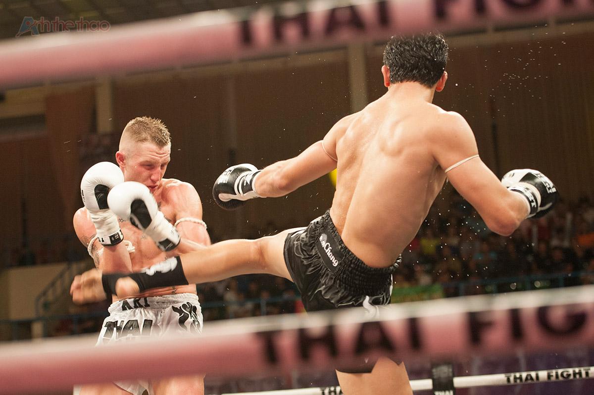 Antoine-Pinto-thai-fight-vietnam-2015-1