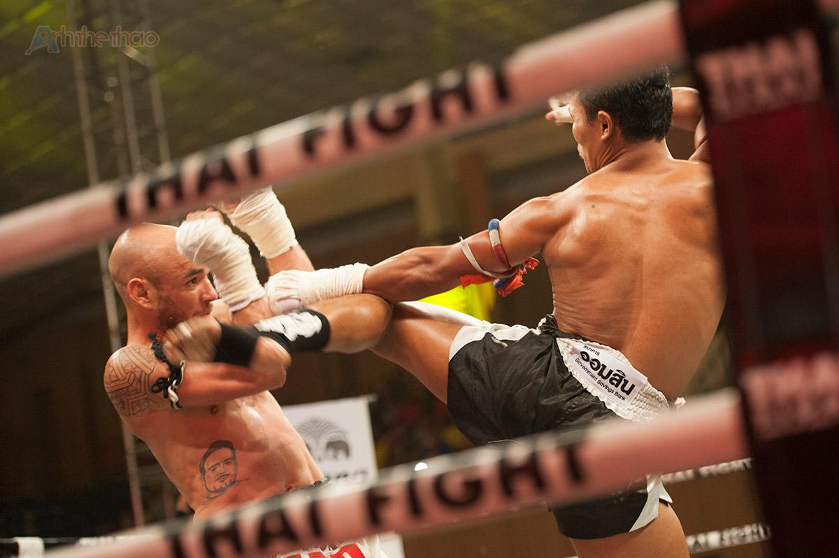 Saenchai-thai-fight-vietnam-2015-1