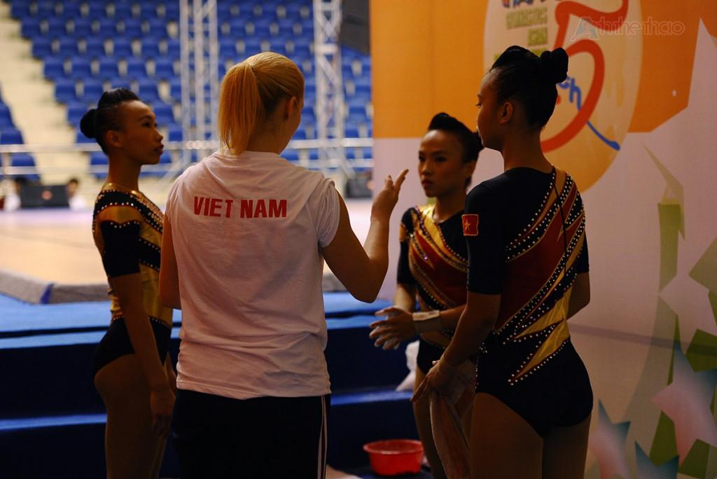 HLV  Việt Nam căn dặn trước khi thi đấu