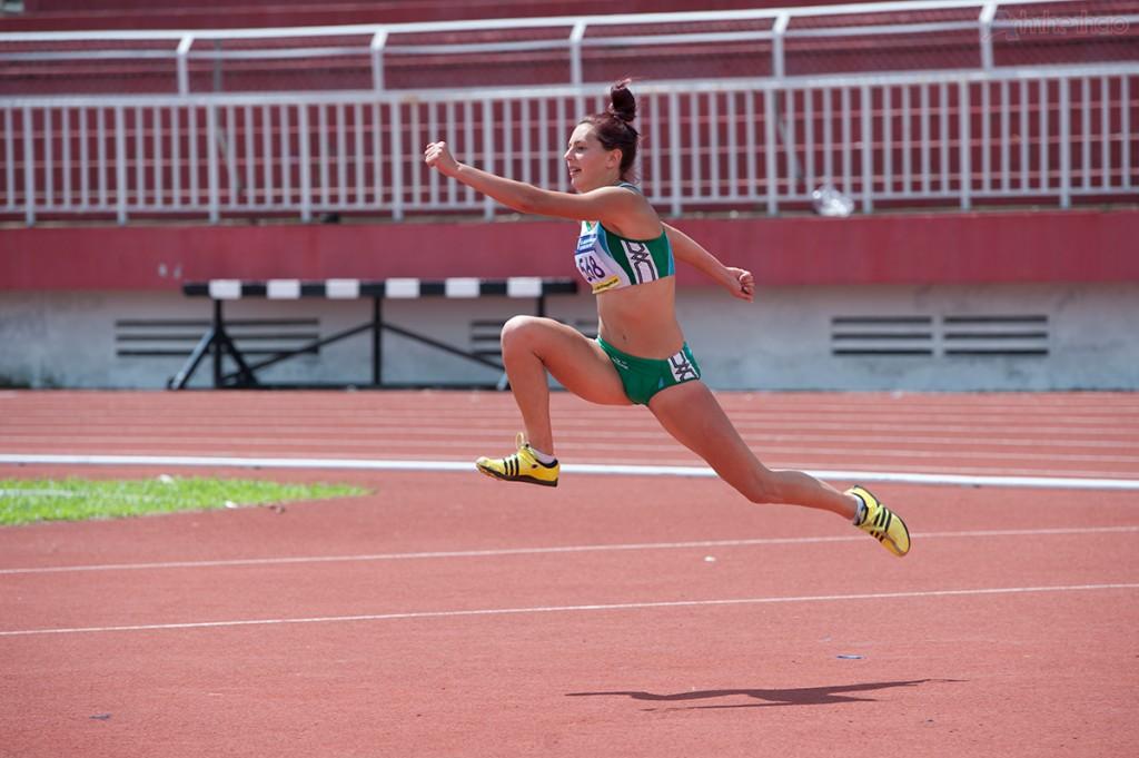 Yurkevskaya Aleksandra chạy đà