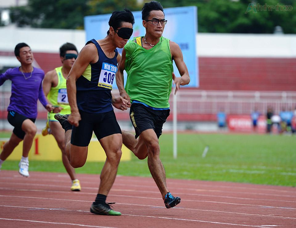 Nội dung 100m có người dẫn