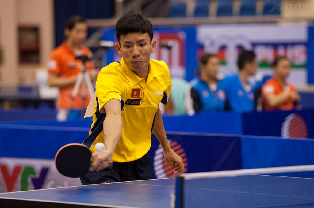 Tay vợt Quân Đội Đinh Quang Linh