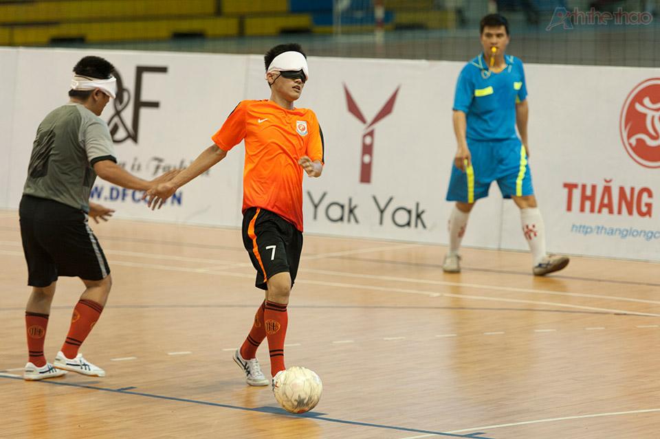 Tiền đạo xuất sắc được mệnh danh Ronaldo Vietnam của TPHCM 2