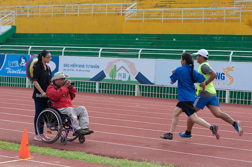 Có vài phóng viên khuyết tật tác nghiệp tại giải