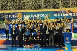 Thái Lan ăn mừng chiến thắng trong niềm vui tột đỉnh