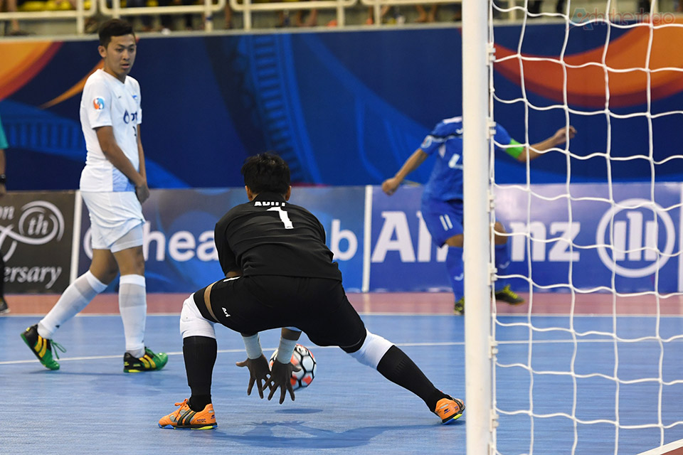 Thái Sơn Nam không cách nào chọc thủng khung thành thủ môn Arut