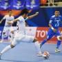 Các cầu thủ Bluewave Chonburi kiểm soát bóng cực tốt