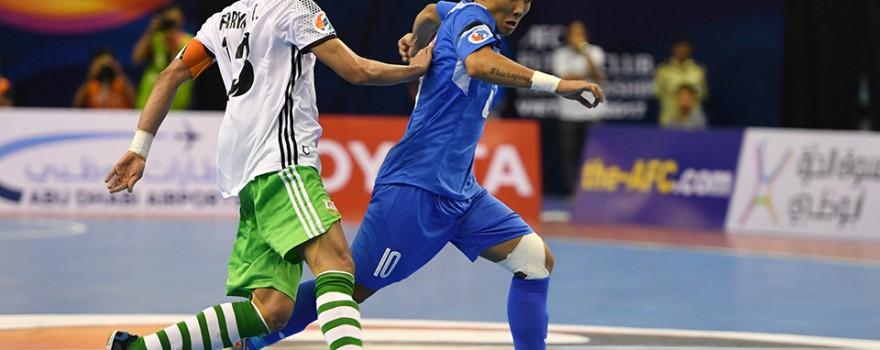 Nguyễn Minh Trí tận dụng một tình huống tranh chấp sát vòng cấm địa để có cú dứt điểm cực mạnh đánh bại thủ môn của Natif Al Wasat ở phút 34