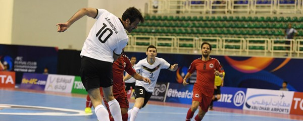 Ở phút thứ 17, Iran tấn công phủ đầu ngay khi mới nhập trận, Sanaye Giti Pasand mở tỉ số từ cú đội đầu như mở cỗ của cầu thủ số 10 Esmaeilpour