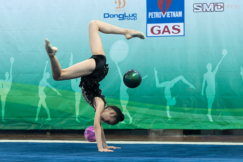 Nguyễn Hà My với nội dung múa bóng