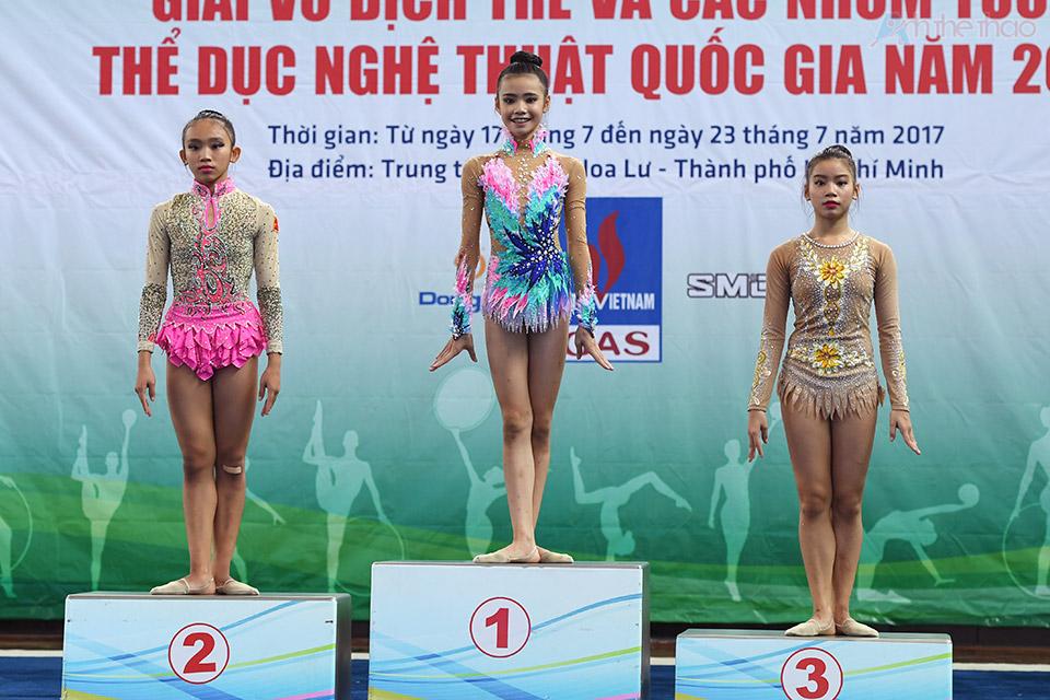 Nguyễn Hà My giành 4 HCV cho 4 nội dung: múa vòng, chuỳ, bóng, và lụa