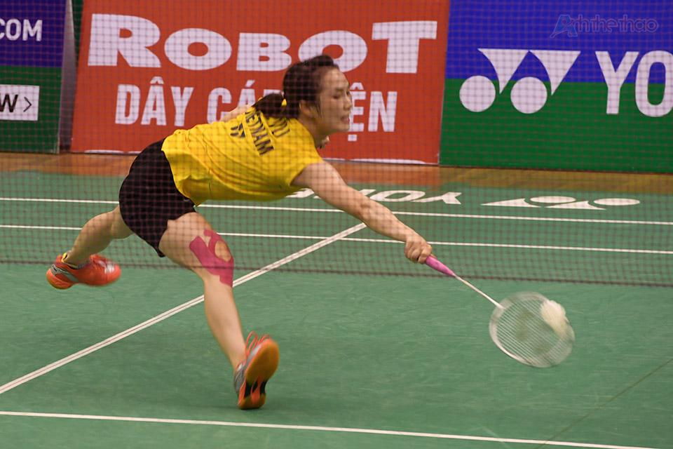 Nhờ kỹ thuật nhỉnh hơn Trang đã dành chiến thắng với các tỉ số 21-19 và 21-12