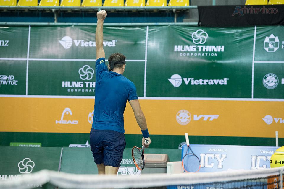 Matosevic ăn mừng chiến thắng