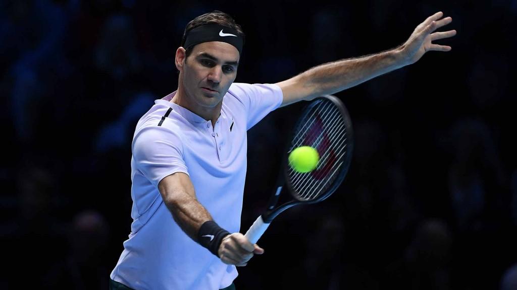 Federer tỏ ra nóng vội và liên tục phạm nhiều lỗi đánh trái tay sở trường