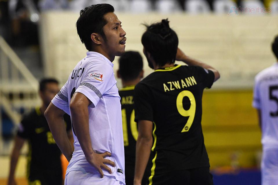 Mọi hi vọng tưởng chừng như sụp đổ khi những cố gắng của người Thái vẫn không được đền đáp, tỉ số 1-3 có thể xoi mòn quyết tâm của bất cứ đội bóng nào